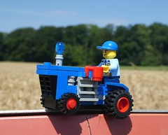 Police Tractor (2/2) (captain_joe) Tags: toy spielzeug 365toyproject lego minifigure minifig moc car auto tractor trecker officerjoe coffee