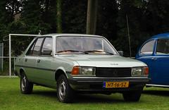 1982 Peugeot 305 GL 1.3 (rvandermaar) Tags: 1982 peugeot 305 gl 13 peugeot305 sidecode4 ht16sz