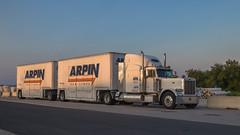 Peterbilt 379 (NoVa Transportation Photos) Tags: peterbilt 379 single drive axle doubles pups arpin van lines moving truck