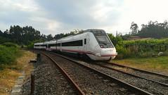 599.018 saliendo de Portela (javivillanuevarico) Tags: renfe 599038 galicia ferrocarril