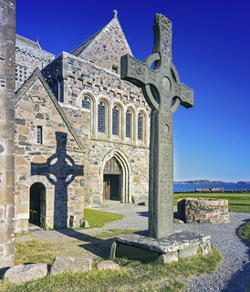 Iona Abbey and St Johns Cross