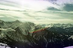 (martine.es) Tags: mountain mountains montagne film filmphotography filmsoup filmsoak filmphoto filmcamera minolta 35mm expired 35analog expiredfilm 35mmanalog exposure rainbow