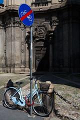 _DM36415 (Dima7447) Tags: bicicletta bike città palo catena urban chiesa church baroque barocco urbanphoto urbanphotography street streetphoto streetphotography divieto prohibition againstprohibition stopdivieto contraddizione contradiction