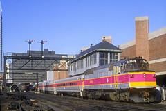 MBTA F40PH 1009 (Chuck Zeiler) Tags: mbta f40ph 1009 railroad emd locomotive boston train chuckzeiler chz tower railway