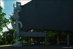 Konzerthaus der Musikhochschule Detmold (günter mengedoth) Tags: samyang ts 24 mm f35 ed as umc samyangts24mmf35edasumc konzerthaus der musikhochschule detmold konzerthausdermusikhochschuledetmold pentax k1 pentaxk1 pk manuell gebäude spiegelung