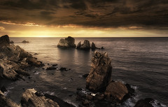 Fear (Anto Camacho) Tags: landscape rocks sunset ocean clous waves largaexposición longexposure water cantabria seascape