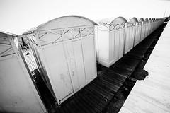 (eunega) Tags: ostia cabine mare bianco