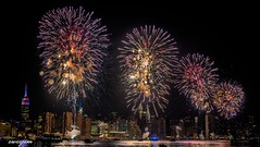 2018-07-04 Macy's Fireworks 06, Manhattan, NY, USA (zwzzjim) Tags: macy new york independence day fireworks night nightscape buildings complex light water river east holiday celebration honors adventure architecture plant tree outdoor arhitecture landscape serene blue waterfront