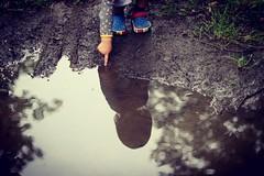 ️🌲🌳🌲👦👣 #mud #child #boy #reflect #touch (monsieur_nonnon) Tags: reflect touch mud boy child