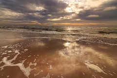 Sundown at Zandvoort (H. Bos) Tags: strand beach golven waves zandvoortaanzee amsterdambeach sundown zonsondergang zandvoort