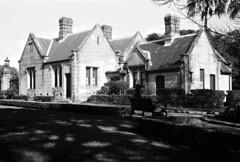 Gardener's Lodge (Francis Johns) Tags: agfabilly1 mediumformat 6x9 acros100 neopan sydneyuniversity victoriapark