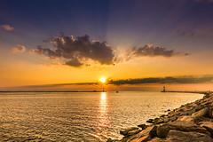 Lighthouse (*AdeCo*) Tags: leuchtturm lighthouse leuchtfeuer sonnenuntergang sunset sundown meer ocean ozean ostsee warnemünde rostock mole abend nacht sonne himmel night cloudswolken wasser reflektion spiegelung reflexion steine stones