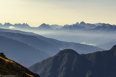 Foschie mattutine (cesco.pb) Tags: valleaurina speikboden dolomiten dolomiti dolomites alps alpi canon canoneos60d tamronsp1750mmf28xrdiiivcld altoadige sudtirol italia italy montagna mountains