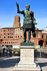 Rome, standbeeld van Julius Ceasar, Italië 2018 (wally nelemans) Tags: roma rome standbeeld statue juliusceasar italië italia italy 2018