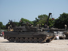 Leopard 2A4 (Megashorts) Tags: leopard2 leopard2a4 olympus omd em1 mzd 40150mm f28 pro war military armoured armour armor armored fighting bovington bovingtontankmuseum tankmuseum bovingtonmuseum museum thetankmuseum england dorset uk tankfest 2018 tankfest2018 show friday tank