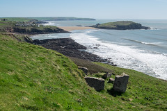 Burgh Island (Spannarama) Tags: cliffs clifftop beach cove coast sea burghisland bigburyonsea bigbury rocks ruins blueskies devon uk