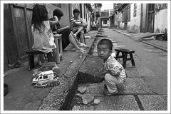HengMian12 (nickthepluto) Tags: shanghaigp3 zeiss ikon zm biogon 2828 bw d76 film