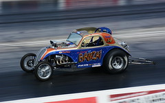 Altered_1455 (Fast an' Bulbous) Tags: classic oldtimer race track drag strip car vehicle automobile racecar outdoor nikon santa pod dragstalgia