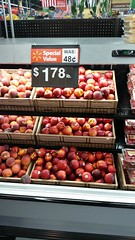 Wal-mart we sell for less.... more.... nothing.... I dunno anymore. (Adventurer Dustin Holmes) Tags: 2018 fruit produce walmart specialvalue priceincrease peaches nectarines price