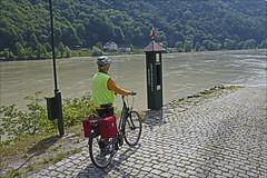 Waiting for the Ferry (Runemaker) Tags: bicycling radfahren cycling ferry fähre radweg donauradweg donau danube engelhartszell austria österreich upperaustria oberösterreich river fluss woman frau
