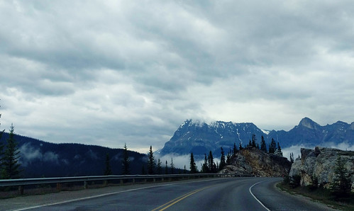 Road to the icefield
