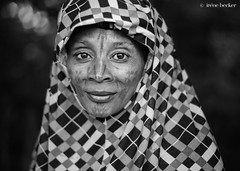 Portrait (Irene Becker) Tags: africa imagesofnigeria kaduna kadunastate nigeria nigerianimages nigerianphotos northnigeria tatoos westafrica fulani hijab northernnigeria portrait scarification tattoo kajuru