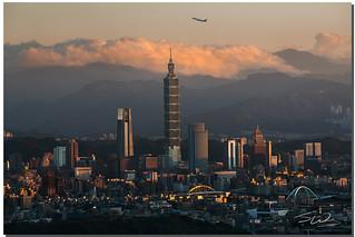 A sunset takeoff, Taipei,Taiwan