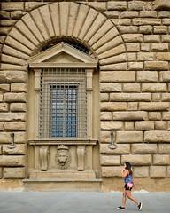 Florence, 2018(9) (S.R.Murphy) Tags: florence italy june2018 firenze street streetphotography socialdocumentary travelphotography travel people woman girl fujifilmxt2 fujifilmxf1855mm giardinodiboboli tuscany window