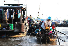 Floating market, Can Tho (Ali|B) Tags: boat vietnam cantho southeastasia asia market floatingmarket vegetables fruits travel discover world