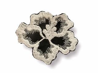 Applikation zum Nähen, Blüte schwarz-weiss