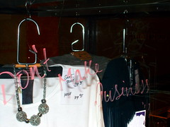 Tempelreinigung (h.d.lange) Tags: berlin tempelhof mode bluse shirt bügel spontispruch slogan schaukasten ubahnhof graffiti glasscheibe reklame werbung