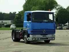 Renault R350 Melun-Villaroche 09-06-18a (mugicalin) Tags: lalocomotionenfête lalocomotionenfête2018 77 fujifilm fujifilmfinepix fujifilmfinepixs1 s1 finepix finepixs1 renault renaulttruck renaultclassic renaultr r renaultr350 bluetruck camionbleu 2018 frenchtruck camion lkw 294 transeurop r350 10fav