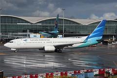 GA B738 PK-GMW @ GA857 (EddieWongF14) Tags: garudaindonesia boeing boeing737 boeing737ng boeing737800 boeing7378u3 b737 b738 b737ng 737 737ng 738 737800 7378u3 pkgmw hkg vhhh hongkonginternationalairport