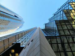 Royal Bank Tower, Toronto, Ontario (duaneschermerhorn) Tags: toronto ontario canada city urban downtown architecture building skyscraper structure highrise architect modern contemporary modernarchitecture contemporaryarchitecture