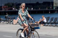 Copenhagen Bikehaven by Mellbin - Bike Cycle Bicycle - 2018 - 0014 (Franz-Michael S. Mellbin) Tags: accessorize biciclettes bicycle bike bikehaven biking christianshavn copenhagencyclechic copenhagenize cyclechic cyclist cyklisme denmark fahrrad fashion københavn people places street velo velofashion