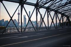 IMG_5592 (kevinho86) Tags: 24mm eos6d canon city cityscapes skyscraper sky skyline shanghai 都会 空 colour sunrise urban 城市 天空 landscape scenery scape downtown 建築 twilight 上海 wideangle 天際線 water 11 cloudy square squareformat bridge 橋