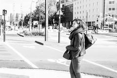 Nantes - Octobre 2017 (Maestr!0_0!) Tags: noir blanc black white rue street woman girl people candid nantes