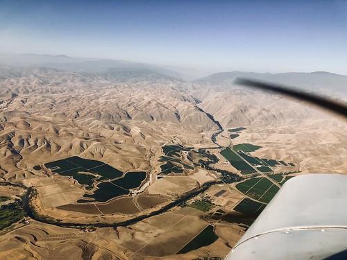 Flying N5777V near Bakersfield, CA