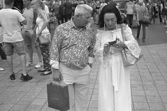 Church Street, Liverpool (the underlord) Tags: voigtlanderbessar4a voigtlander r4a rangefinder rangefindercamera bessa cosinavoigtlander ilford ilfordfp4 200asa film bulkroll 10minutesatstock kodakd76 colorskopar35mmf25 colorskopar 35mmlens voigtlandercolorskopar35mmf25mc churchstreet dappercouple
