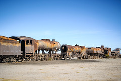 Locomotives rouillees (The French Travel Photographer) Tags: ©sébmar flickrcomsebmar 8visits rouille vehicules train bolivie uyuni instasebas decharge departamentodepotosí bo