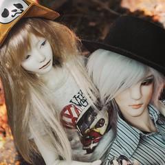 Rei & Damian (owner: Rolnička) are friends ☺️ (tarengil) Tags: bjd zaolluv dollmore zaoll balljointeddoll abjd doll blonde girl friends boy bjdphotography legitbjd resin summer