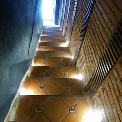 lighted descent (msdonnalee) Tags: stairs stairway lightedstairway tilestairs escalera scala escalier escala treppen mexico laposadita sanmigueldeallende mexiko messico mexique
