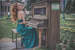 Piano in the Park (Luv Duck - Thanks for 13M Views!) Tags: select ali redhead piano pianointhepark beautifulgirl beautifulbody downtowndenver civiccenterparkdenver artinstallation modeling photoshoot
