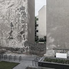 Berlin (West) (lars_uhlig) Tags: 2018 berlin deutschland germany charlottenburg stadt city hinterhof fassade facade brandwand tristesse wall