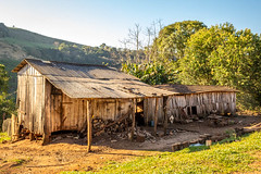 Old sty (matheusbet) Tags: older sty countryside farm green sky mountain
