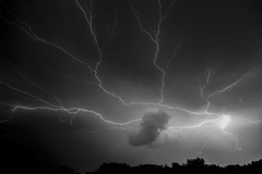 Fridays Storm in Kentucky (more than 24 hours with Power) (Klaus Ficker --Landscape and Nature Photographer--) Tags: lighting lightningstrikes thunderstorm storm lightingshow weather weatherinkentucky clouds nature desastrenatural desater kentuckyphotography klausficker canon eos5dmarkiv