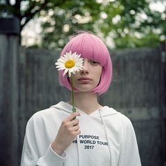 Daisy (dmitry sovyak) Tags: 120mm analog autocord film grainisgood kodak mediumformat portra tlr portra160 daisy flower girl model portrait пленка среднийформат pink pinkhair