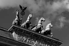 Brandenburg Gate (justingreen19) Tags: 2018 april berlin brandenburg brandenburggate brandenburgertor europe germany goddessofvictory mitte monument quadriga statue street victoria architecture chariot city historical horses justingreen19 landmark lookingup neoclassical light sunlight shadow