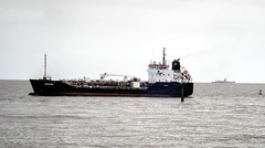 Whitstar (Raúl Alejandro Rodríguez) Tags: barco ship petrolero tanque tanker rio river agua water de la plata plate buenos aires argentina