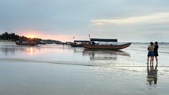 Sunrise (MelindaChan ^..^) Tags: guangxi china 廣西 東興 澫尾島 fishing fisherman tradition life chanmelmel mel melinda melindachan beach